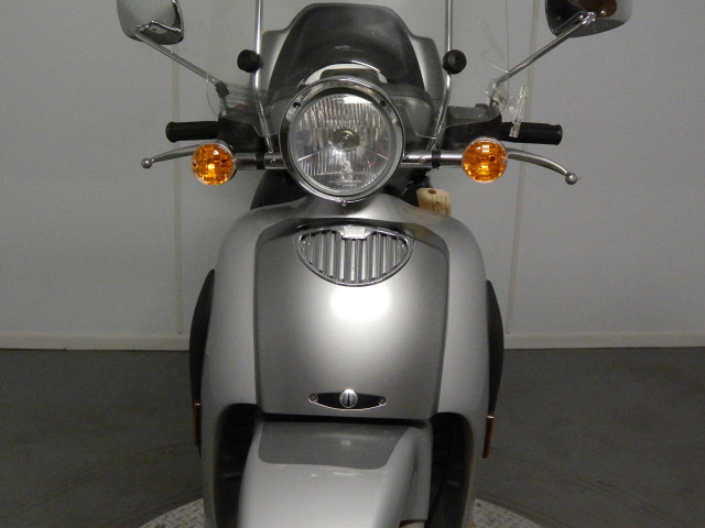 See more photos for this Aprilia SCARABEO 150, 2005 motorcycle listing