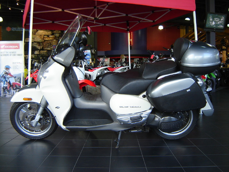 See more photos for this Aprilia SCARABEO 250, 2006 motorcycle listing