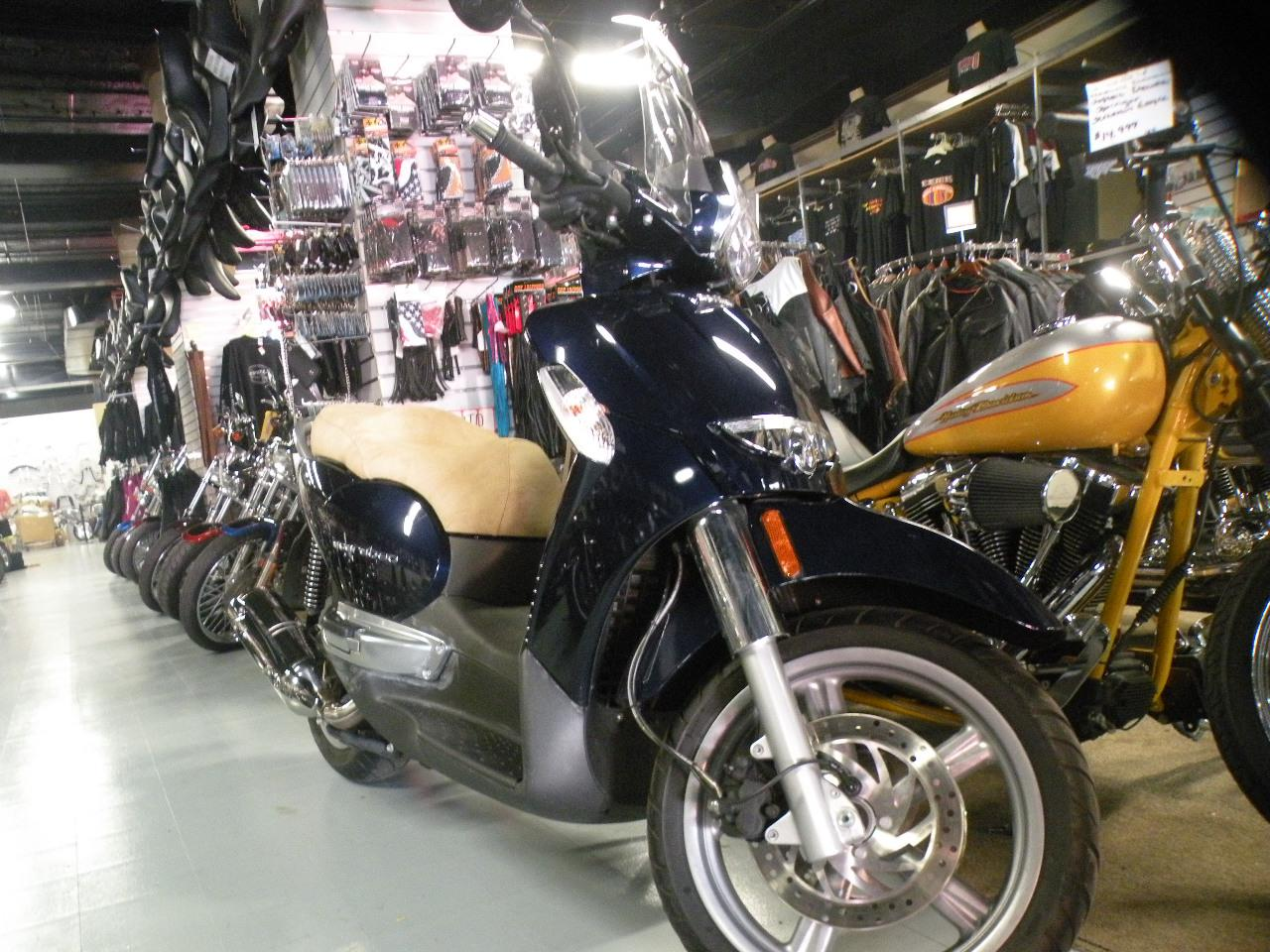 See more photos for this Aprilia Scarabeo 500IE Automatic, 2009 motorcycle listing