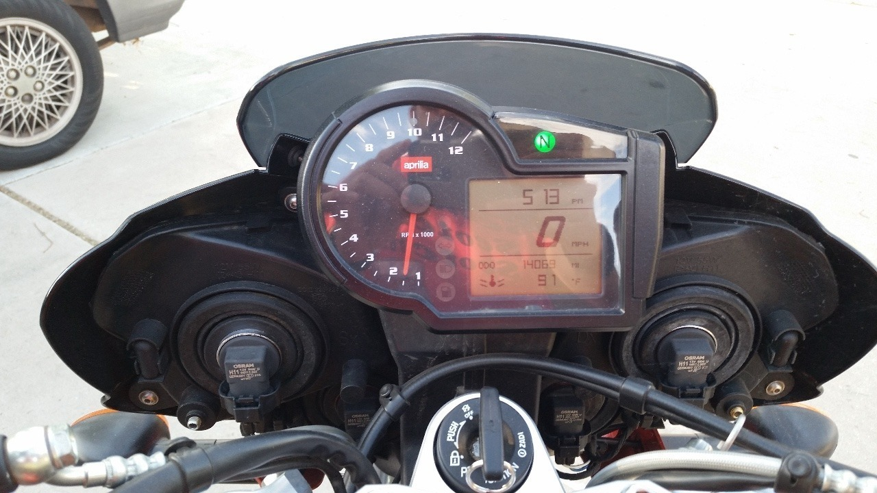 See more photos for this Aprilia Tuono 1000 R FACTORY, 2009 motorcycle listing