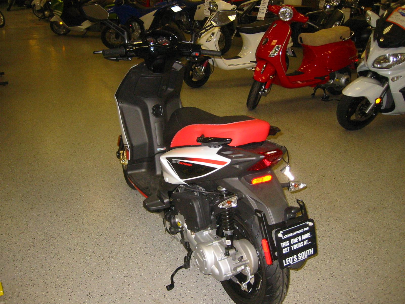 2014 aprilia sr 50 motard 4t scooter motorcycle from lakeville mn today sale 1 899. Black Bedroom Furniture Sets. Home Design Ideas