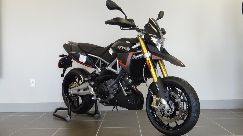 See more photos for this Aprilia DORSODURO 750, 2015 motorcycle listing