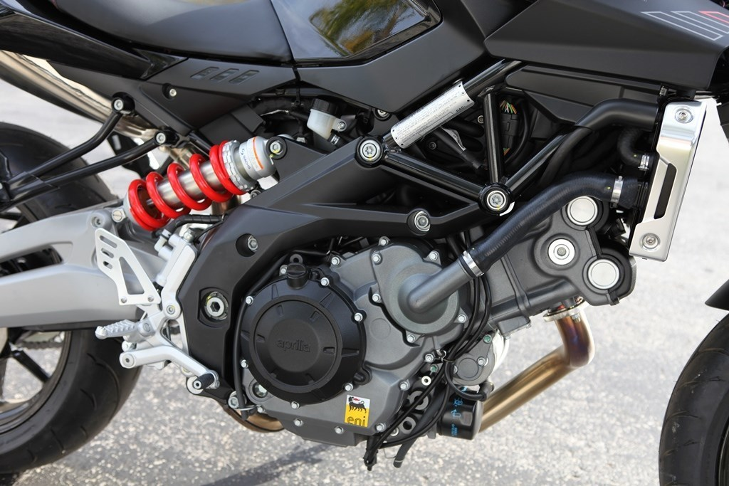 See more photos for this Aprilia SHIVER 750 DEMO, 2015 motorcycle listing