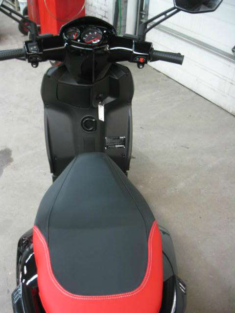 See more photos for this Aprilia SR Motard 50 4V, 2015 motorcycle listing