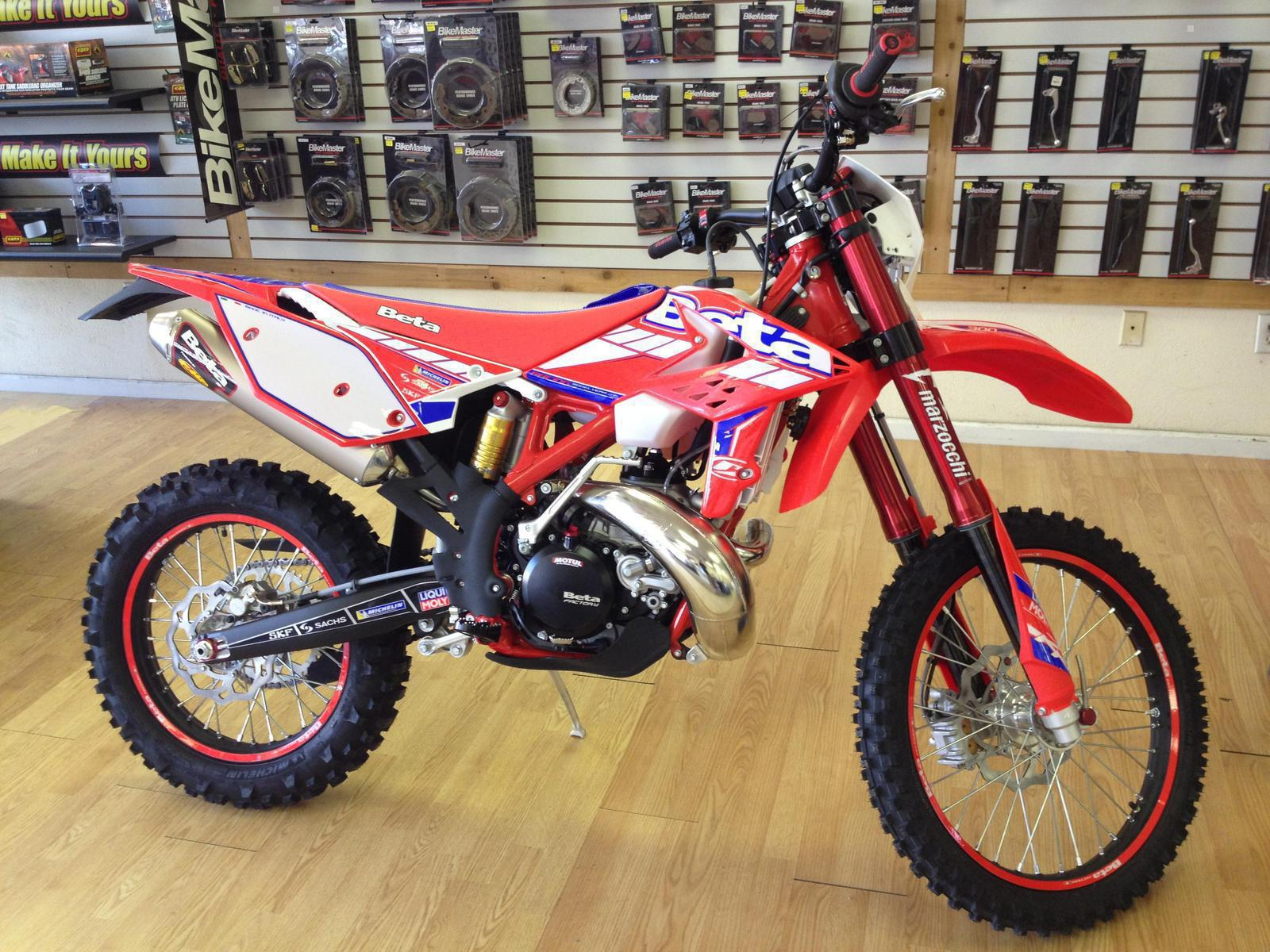 See more photos for this Beta 300 RR Race Edition, 2015 motorcycle listing
