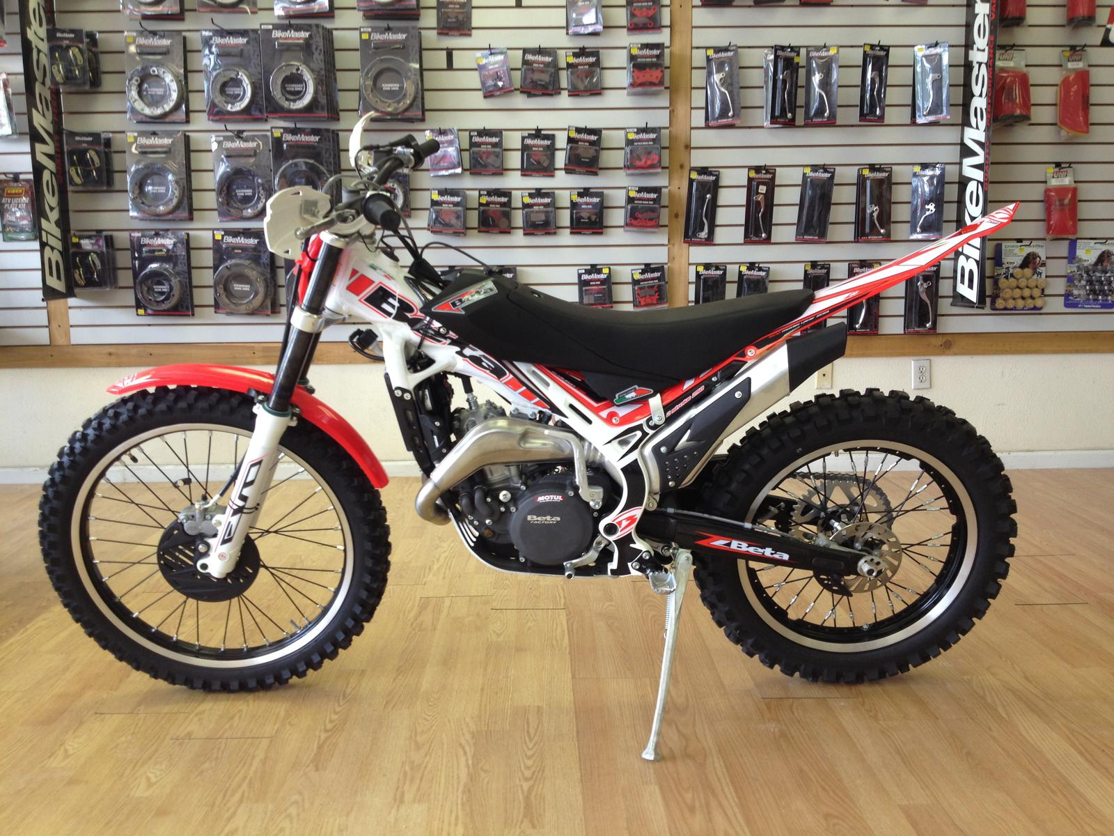 See more photos for this Beta EVO Sport 250 2-Stroke, 2015 motorcycle listing