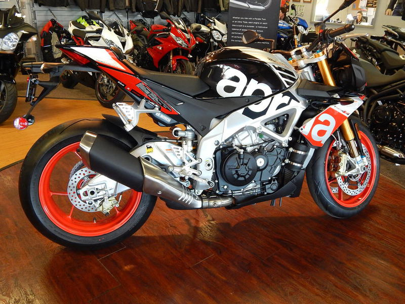 See more photos for this Aprilia Tuono V4 Factory 1100 ABS, 2016 motorcycle listing