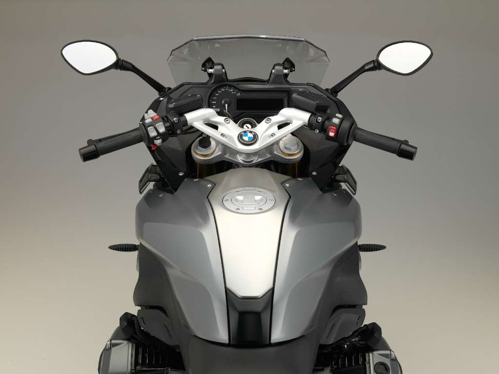 See more photos for this BMW R 1200 RS, 2016 motorcycle listing