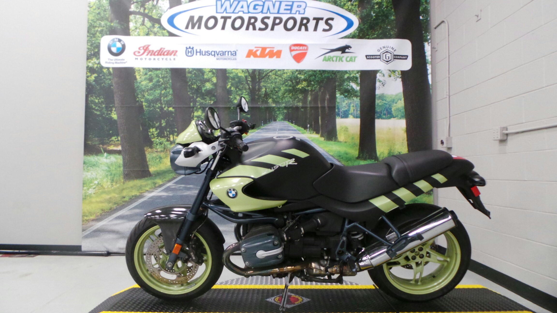 See more photos for this BMW R1150R, 2004 motorcycle listing