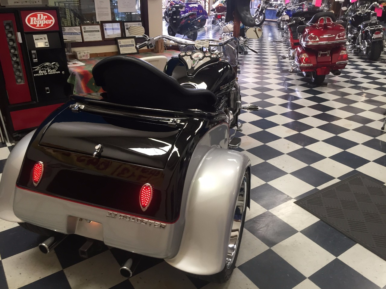 See more photos for this Boss Hoss BHC-9 32 Roadster, 2008 motorcycle listing