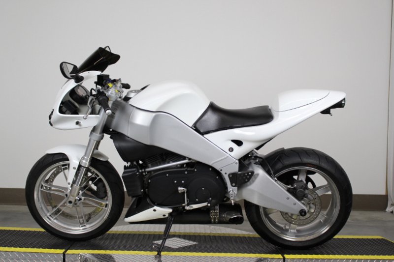 See more photos for this Buell XB9R, 2003 motorcycle listing
