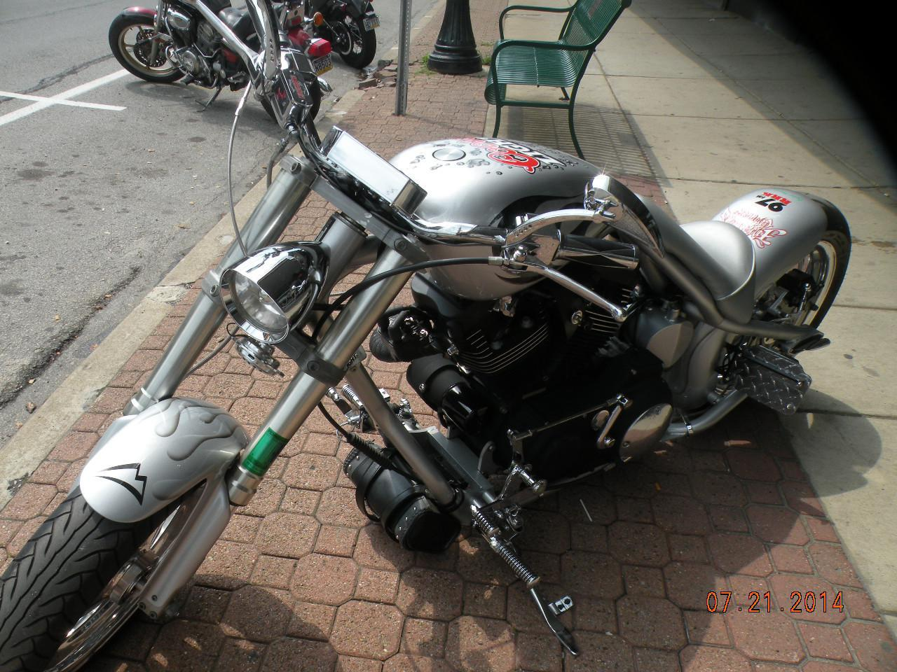 See more photos for this Buell Mutant Buell Lightning, 2005 motorcycle listing