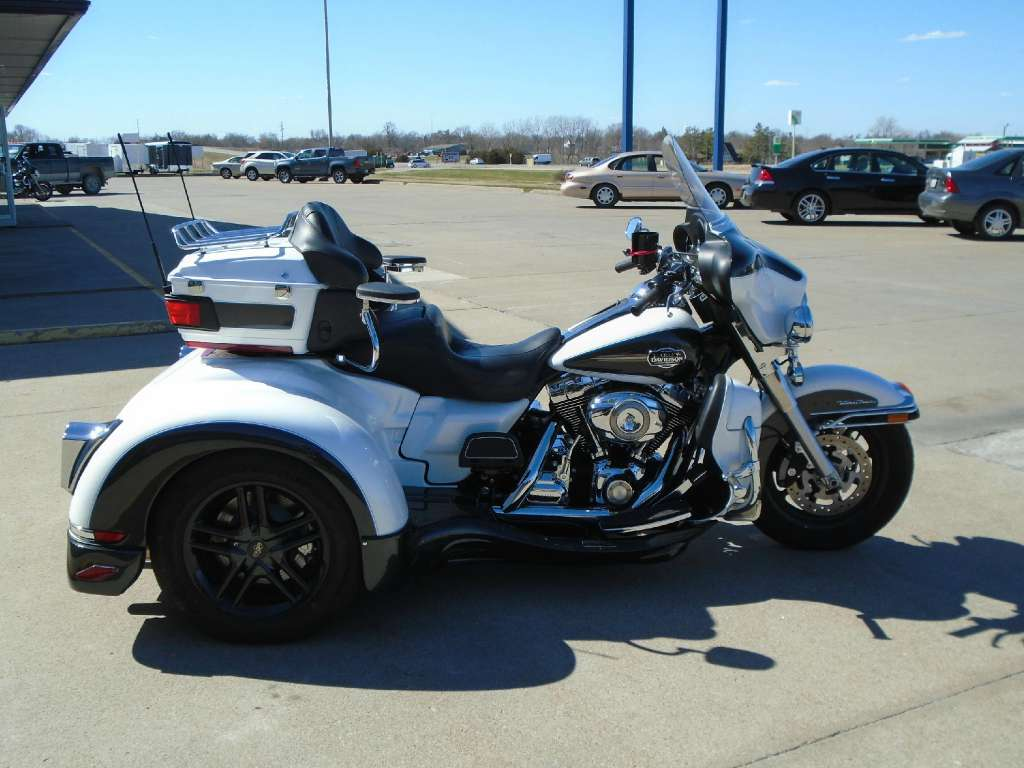 See more photos for this California Side Car FL Series Daytona, 2008 motorcycle listing