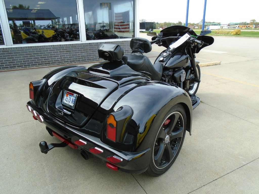 See more photos for this California Side Car Volusia, 2010 motorcycle listing