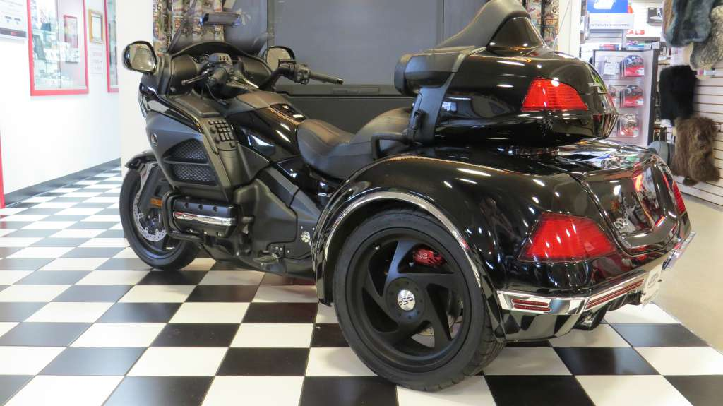 See more photos for this California Side Car /Honda GL1800-Viper Trike, 2014 motorcycle listing