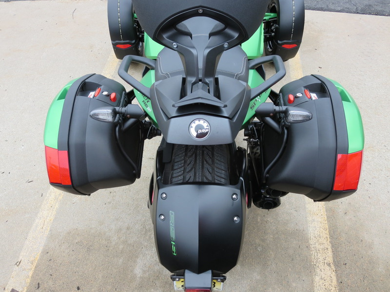 See more photos for this Can-Am Spyder RS SM5, 2012 motorcycle listing
