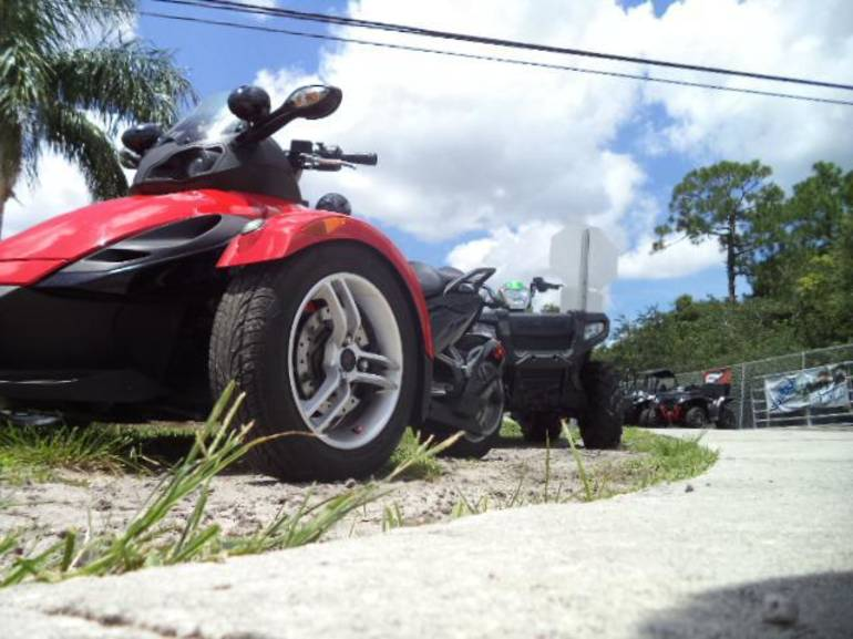 See more photos for this Can-Am GS SM5, 2009 motorcycle listing