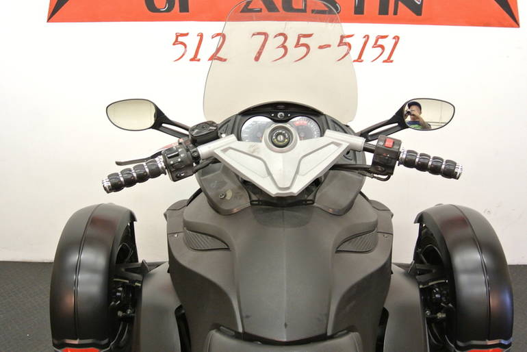 See more photos for this Can-Am Spyder GS Phantom Black Limited Edition , 2009 motorcycle listing