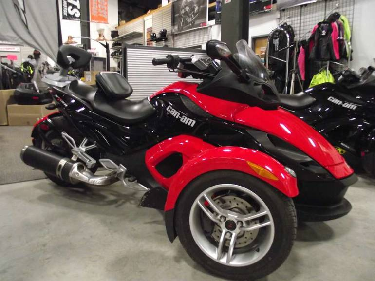 See more photos for this Can-Am Spyder  SE5, 2009 motorcycle listing