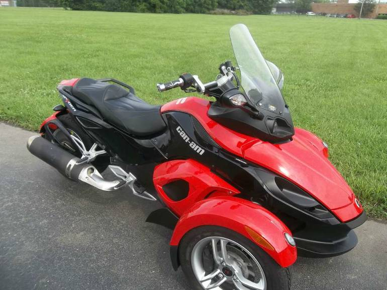 See more photos for this Can-Am Spyder  SM5, 2009 motorcycle listing