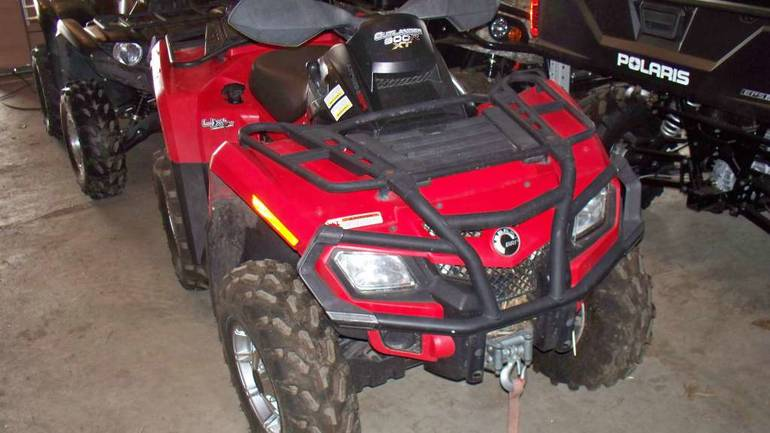 See more photos for this Can-Am Outlander 800R EFI XT, 2010 motorcycle listing