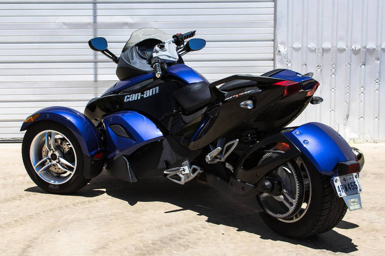 See more photos for this Can-Am RS SE5, 2010 motorcycle listing