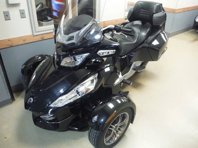 See more photos for this Can-Am SPYDER RT-S-SM5, 2010 motorcycle listing