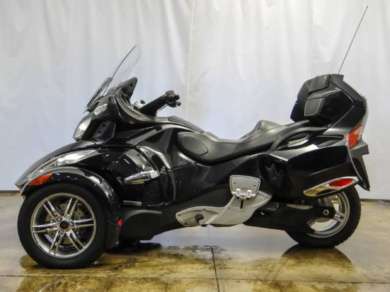 See more photos for this Can Am SPYDER, 2010 motorcycle listing