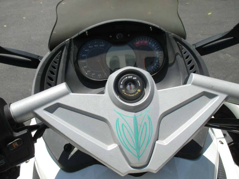 See more photos for this Can-Am Spyder RS-S SE5, 2010 motorcycle listing
