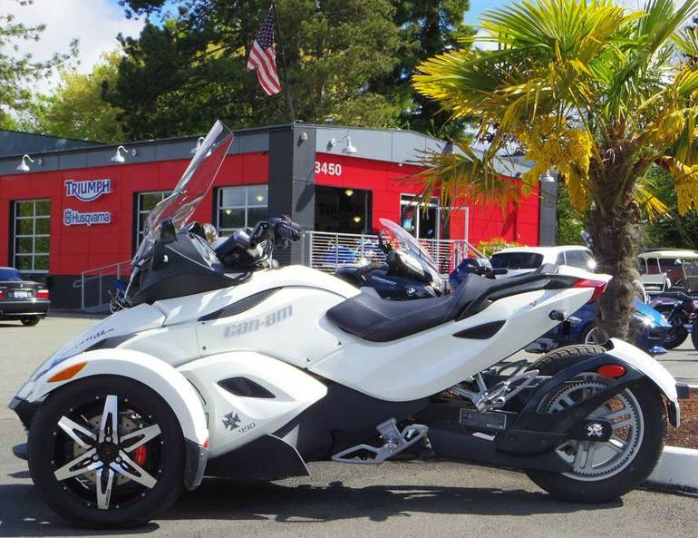 See more photos for this Can-Am Spyder RS SE5, 2010 motorcycle listing