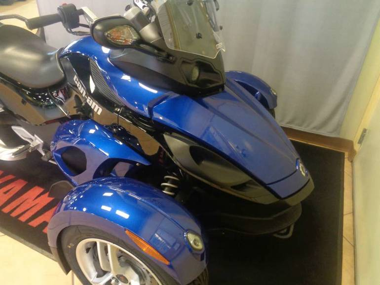 See more photos for this Can-Am Spyder RS SM5, 2010 motorcycle listing