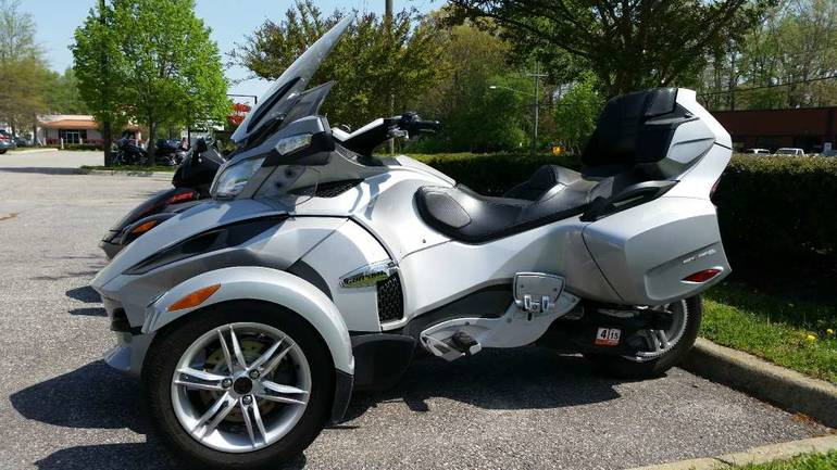 See more photos for this Can-Am Spyder RT Audio & Convenience SM5, 2010 motorcycle listing