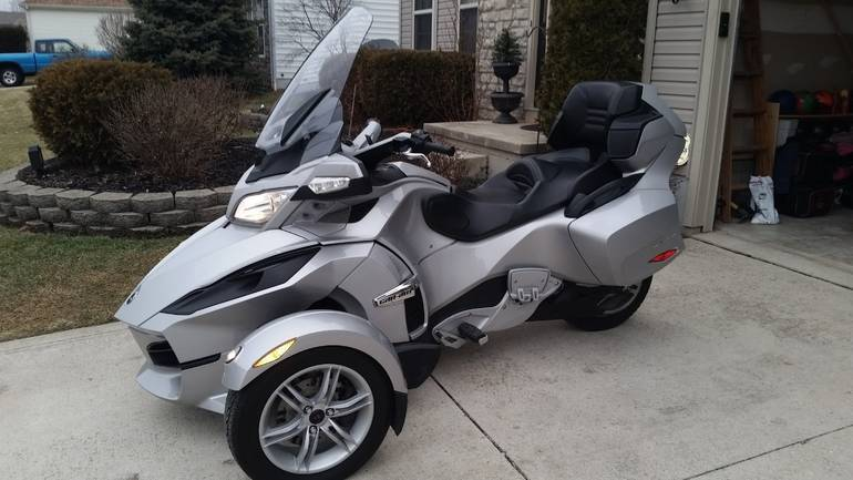 See more photos for this Can-Am Spyder RT LIMITED, 2010 motorcycle listing