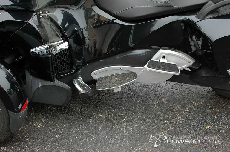 See more photos for this Can-Am Spyder RT-S SE5, 2010 motorcycle listing