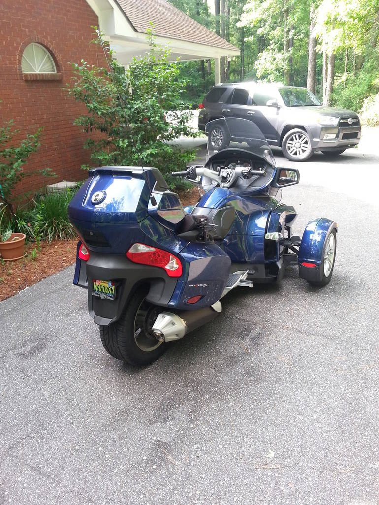 See more photos for this Can-Am Spyder RT SE5, 2010 motorcycle listing