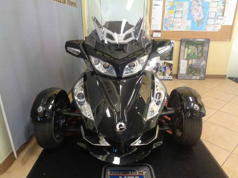 See more photos for this Can-Am Spyder RT SM5, 2010 motorcycle listing