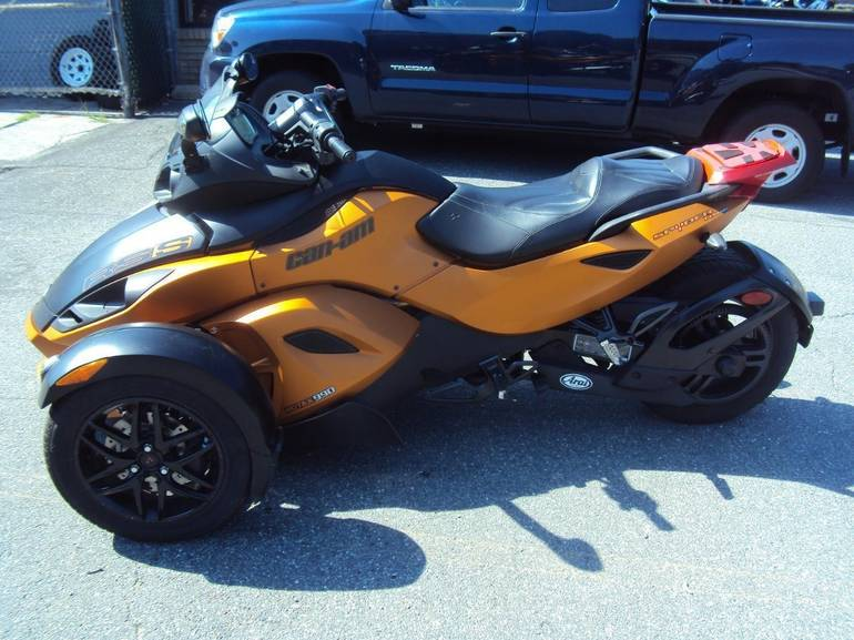 See more photos for this Can-Am RSS Roadster SE5, 2011 motorcycle listing