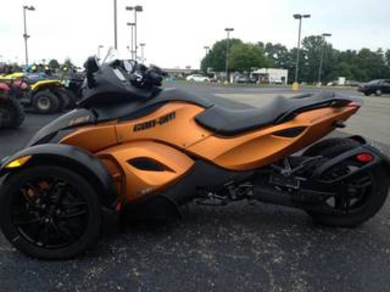 See more photos for this Can Am RSS SM5, 2011 motorcycle listing