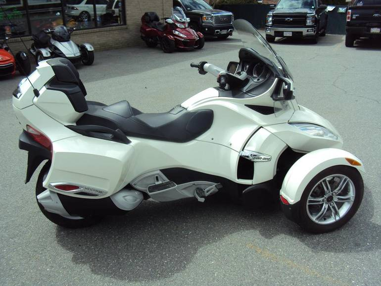 See more photos for this Can-Am RT Limited, 2011 motorcycle listing