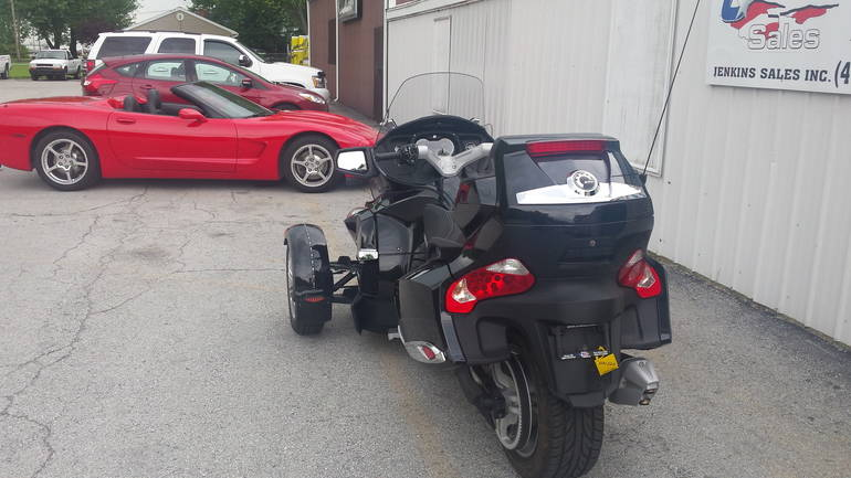 See more photos for this Can-Am RTS SE5, 2011 motorcycle listing