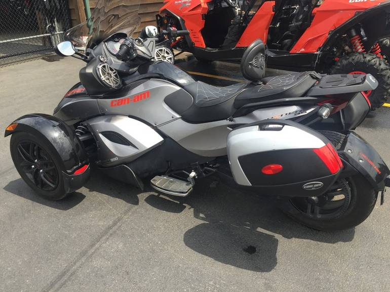 See more photos for this Can-Am Spyder RS-S SE5, 2011 motorcycle listing