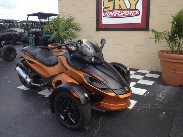 See more photos for this Can-Am Spyder RS-S SM5, 2011 motorcycle listing