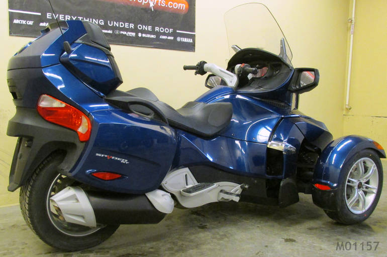 See more photos for this Can-Am Spyder RT Audio & Convenience SE5, 2011 motorcycle listing