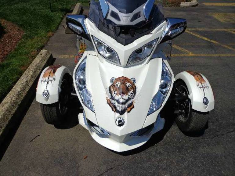 See more photos for this Can-Am Spyder RT Limited, 2011 motorcycle listing