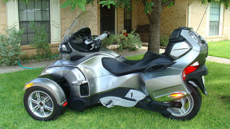 2011 can am spyder rt sm5 cruiser motorcycle from kerrville tx today sale 14 800. Black Bedroom Furniture Sets. Home Design Ideas