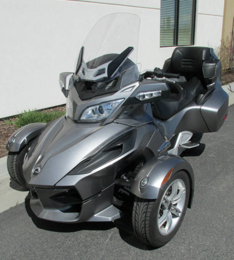 See more photos for this Can-Am Spyder RT SM5, 2011 motorcycle listing