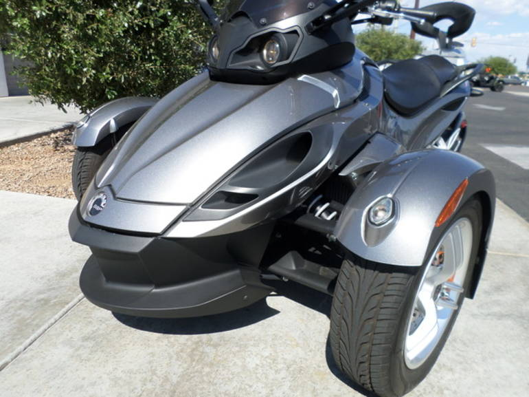 See more photos for this Can-Am Spyder Roadster RS-S, 2011 motorcycle listing