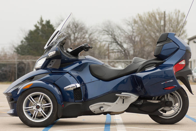 See more photos for this Can-Am Spyder Roadster RT Audio And Convenience, 2011 motorcycle listing