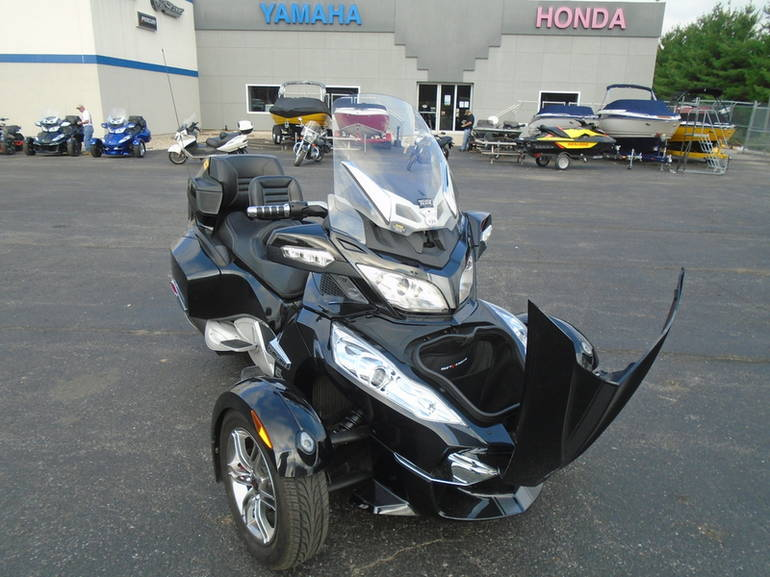 See more photos for this Can-Am Spyder Roadster RT-S, 2011 motorcycle listing