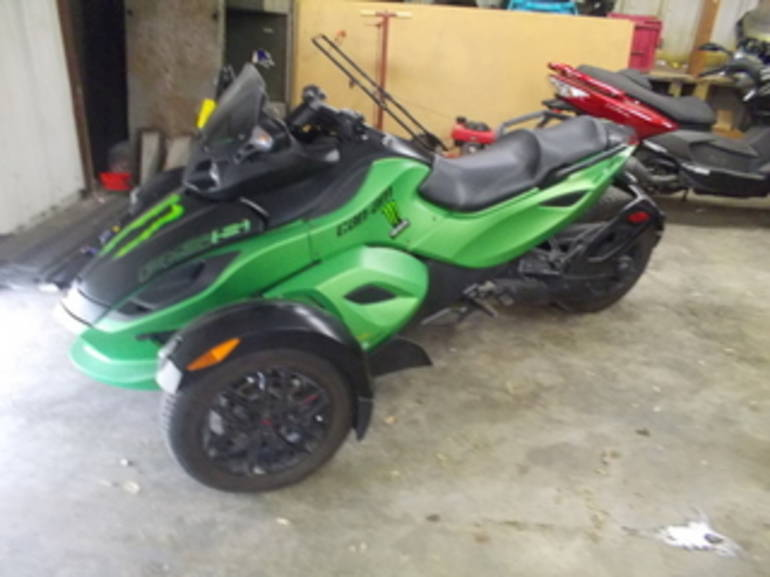 See more photos for this Can Am RS SE5, 2012 motorcycle listing